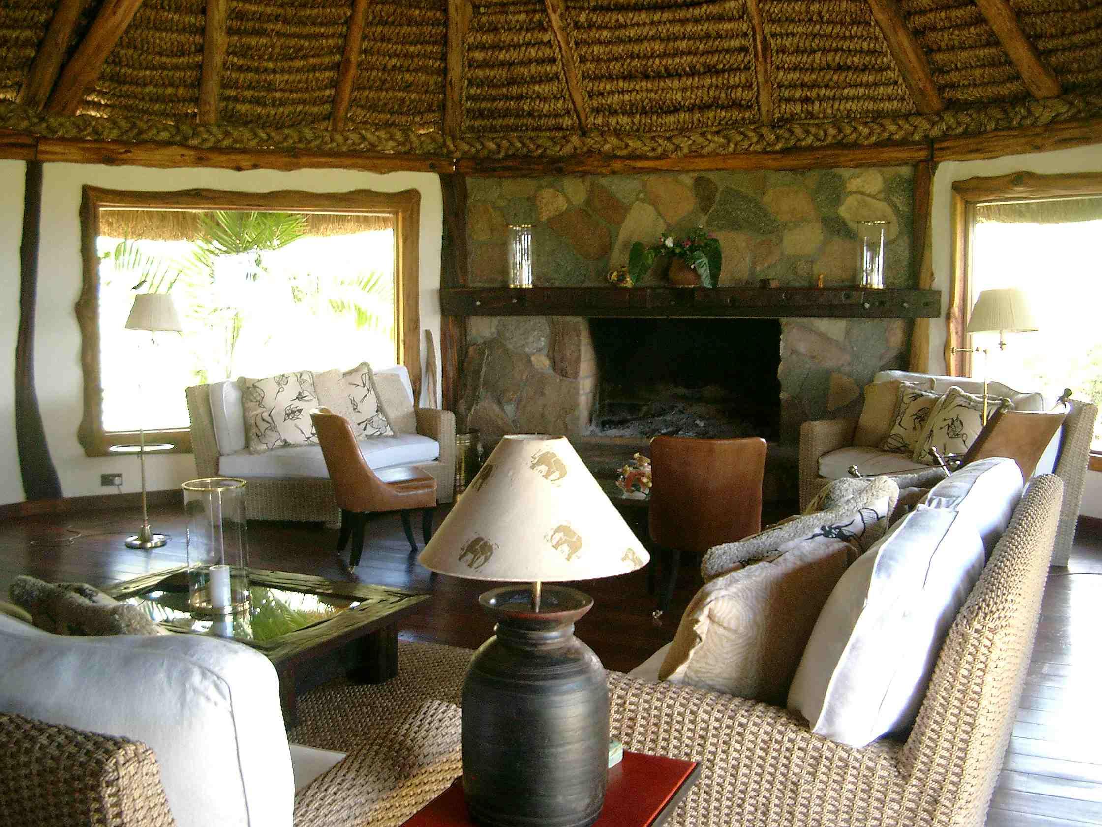 comp_kifaru-house-sitting-room