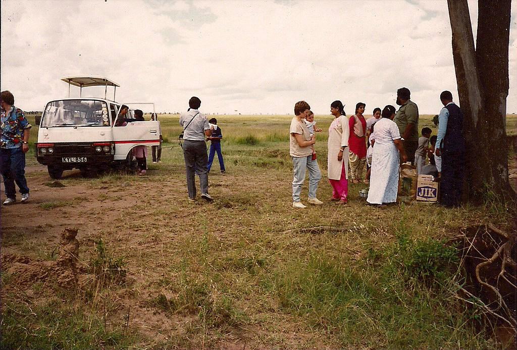 comp_masai-mara-fig-tree-camp-may-1989-www-lofty-tours-com0014