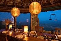 comp_ol-malo-dining-room-at-night1