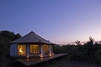 comp_olseki-exterior-tent-with-aloe-at-sunset