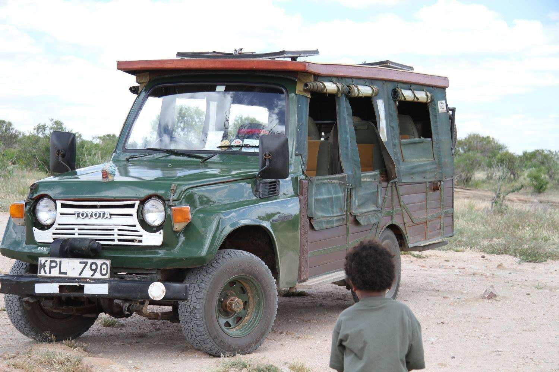 Holzauto Tsavo Nina