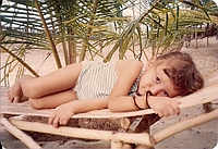comp_robinson-island-shamshu-family-19910017