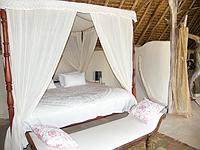 comp_sultans-bedroom